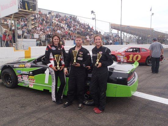Wetaskiwin, Canadá: Top NASCAR Racers at EIR!