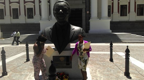 Parliament of the Republic of South Africa: Nelson Mandela bust