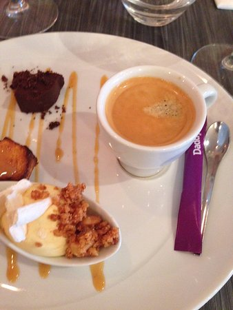 Herblay, France: café gourmand