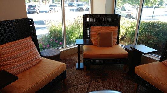 Lobby Area Picture Of Hilton Garden Inn Fort Collins Fort Collins Tripadvisor
