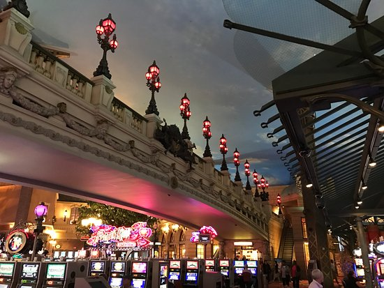 Казино в париж алавар игры казино