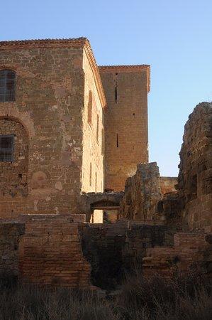 Quicena, España: Detalhes internos. Pode-se observar uma parte fechada ao publico.