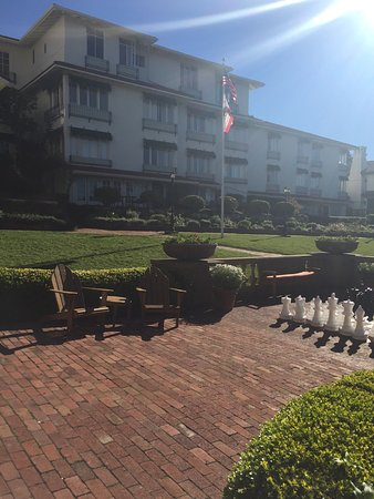 La Playa Carmel: Hotel grounds, room patios 103-105