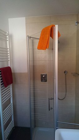 Hotel Merlin: IMG-20170114-WA0015_large.jpg