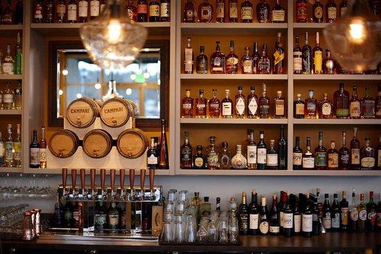Redmond, WA: Woodblock bar interior