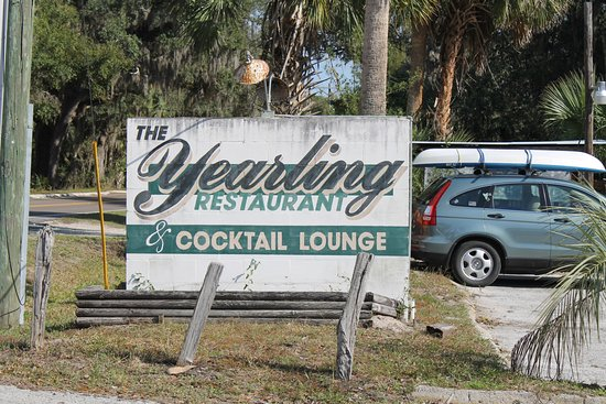 Hawthorne, FL: Don't be deceived. The sign is worn from wear, but the food is fresh and delicious.