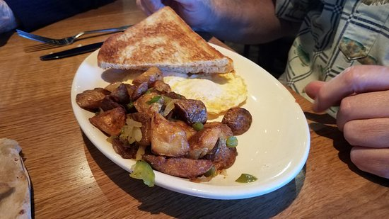 Cerritos, Kalifornien: Eggs, Toast, and (cold) Potatoes