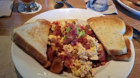 Cerritos, CA: Brunch California Scramble