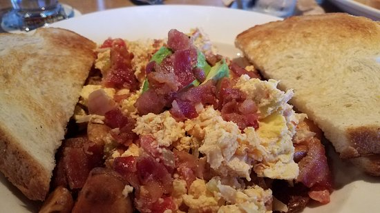 Cerritos, Kaliforniya: Brunch California Scramble