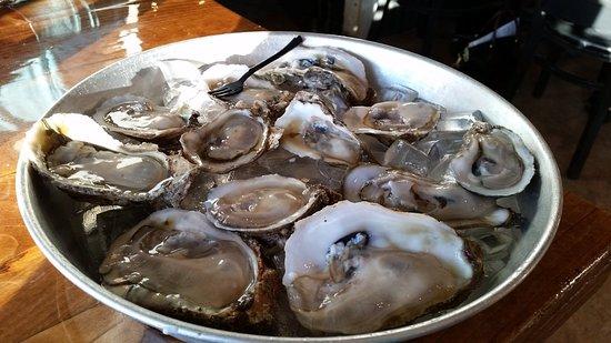 Lynn Haven, FL: Fresh oysters!