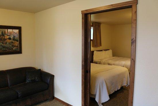 Signal Mountain Lodge: room 151