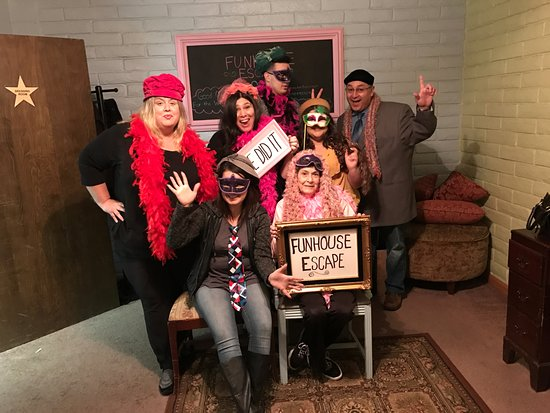 Great time with a fantastic cast  - Picture of Funhouse Escape