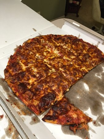 Salerno's on the Fox: burnt overcooked pizza