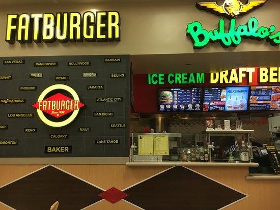 Baker, CA: Fat burger rent og pænt med alt for meget lys .