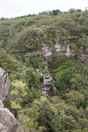 Views and lookouts of the Leura Falls