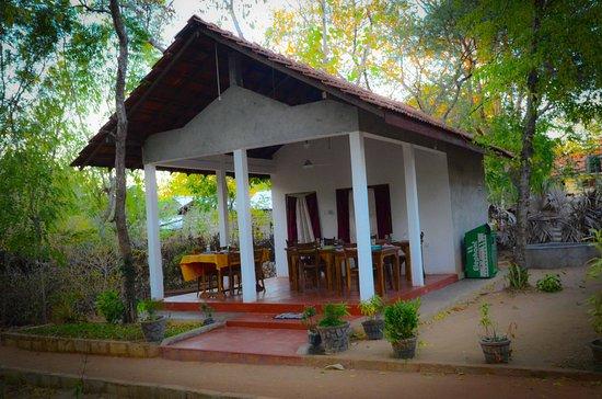 Weaver Bird Villa