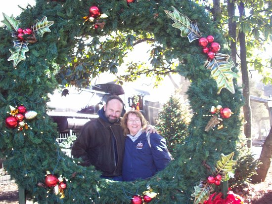 Super 8 Pigeon Forge-Emert ST : a day in dollywood. 10 years together
