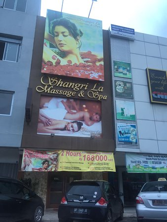 Batam, Indonesia: Front of the shop