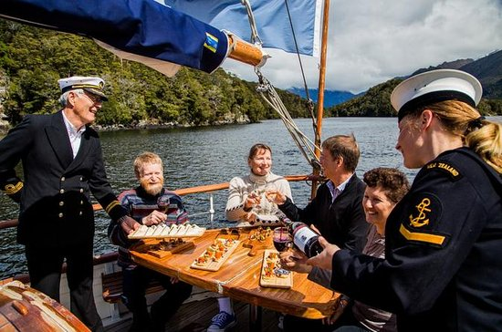Champagne Sightseeing Cruise på Lake...