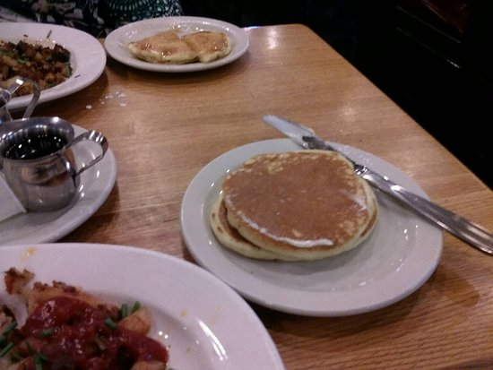 West Milwaukee, วิสคอนซิน: pancakes which were toast substitute
