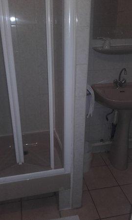 Hotel Angleterre Salle De Bain Sans Chauffage Dappoint