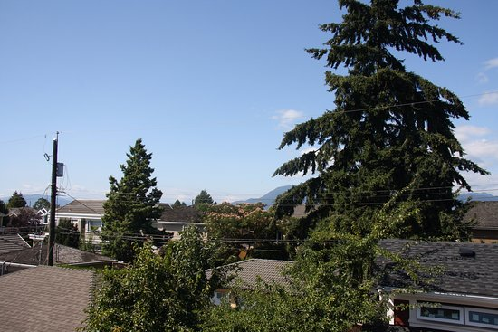 Vancouver Traveller Bed and Breakfast: Balcony suite - view #2