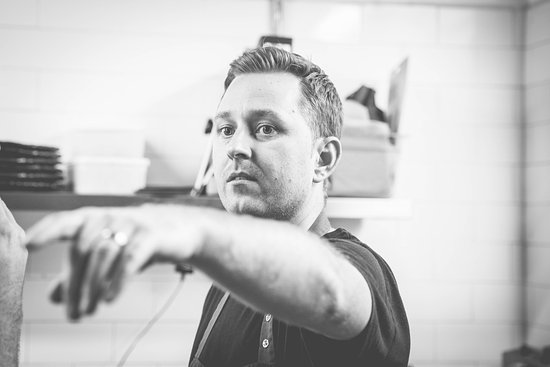 Berkhamsted, UK: Scott wants you, to come and dine with us