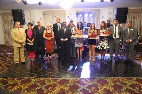 Araliya Green Hills Hotel : new year queen, runners ups with panel of judges together with management on 31st night