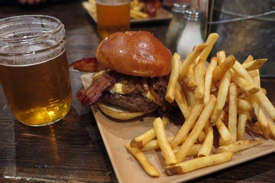 Petaluma, Califórnia: hamburger