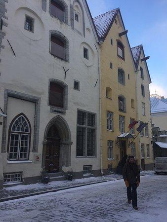 The Three Sisters: внешний вид и вход в отель