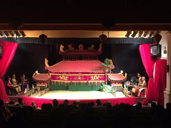 Golden Dragon Water Puppet Theater: Stage