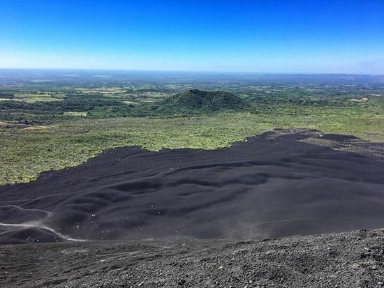 Leon, Nikaragua: Cerro Negro Volcano