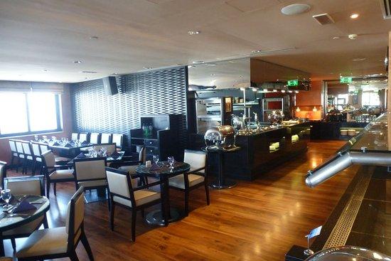 Viewz Lounge U0026 Grill: Moderne Einrichtung Mit Tollen Ausblicken
