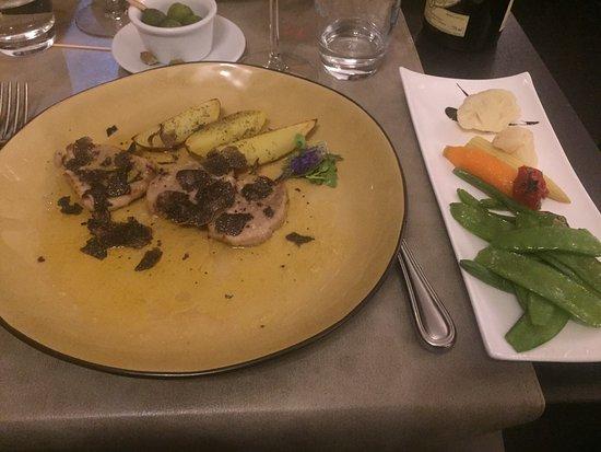 Woluwe-Saint-Lambert, Belgien: Friture du pesce  Escalope de veau au truffes Pâtes moules et mangue