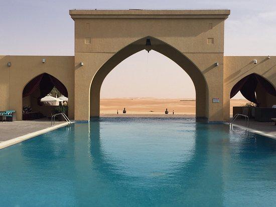 Madinat Zayed, De forente arabiske emirater: Tilal Liwa Hotel