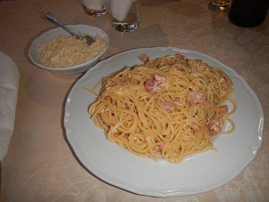 Francavilla di Sicilia, อิตาลี: Spaghetti carbonara