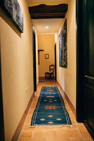 Montefiore dell'Aso, Italia: Hallway