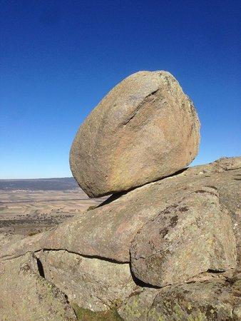 Solosancho, Spain: Majestuosas piedras símbolos de adoración