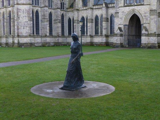 Salisbury, UK: The Walking Madonna