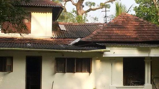 Akkarakalam Memoirs: l'état de la toiture