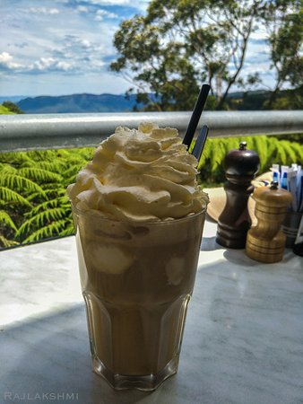 Wentworth Falls, Australia: Iced Coffee with Cream