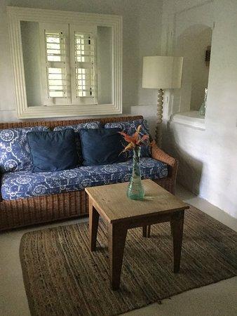 Guana Island: Cozy Room