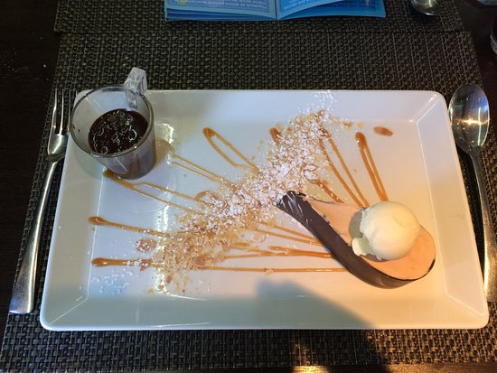 Nailloux, France: Tout Chocolat (dessert)