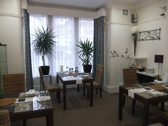 "FouRooms Blackpool: ""Dawn Chorus"" Dining Room"