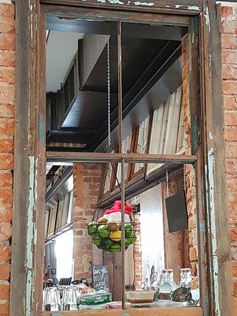 Guildford, Australia: Inside the bar
