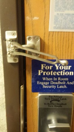 Oak Creek, WI: Broken security lock
