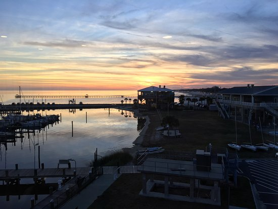Long Beach, MS: Sunset from Brackish