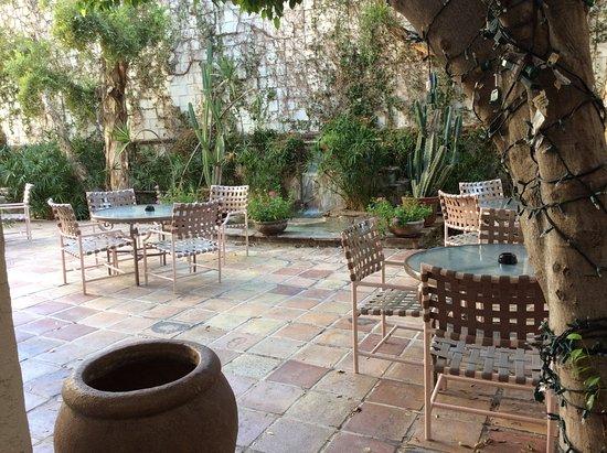 BEST WESTERN PLUS Las Brisas Hotel: Lovely courtyard