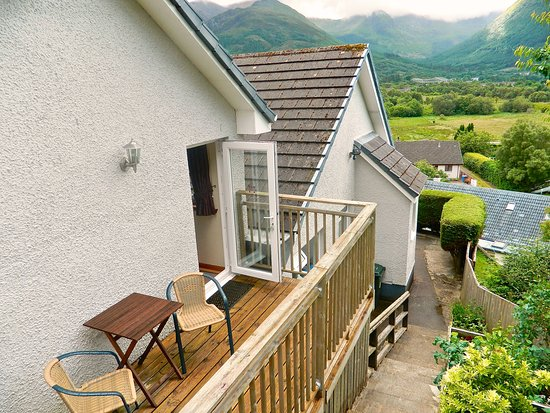 North Ballachulish, UK: Studio 2 - own patio, decked seating