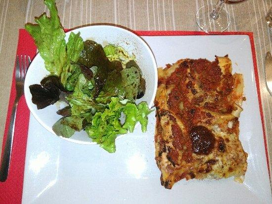 Le Beausset, Francia: lasagnes maison salade